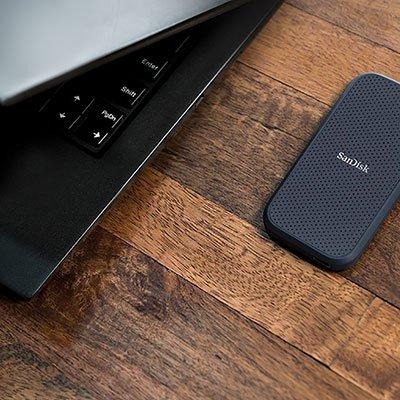 SSD Portátil Externo 500gb SanDisk Extreme, Leitura 550 MB/s - SDSSDE60 PT 1 UN