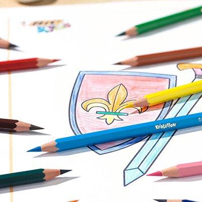 Lápis de Cor 12 cores Evolution sextavado + 4 lápis preto 902545 Bic CX 1 UN